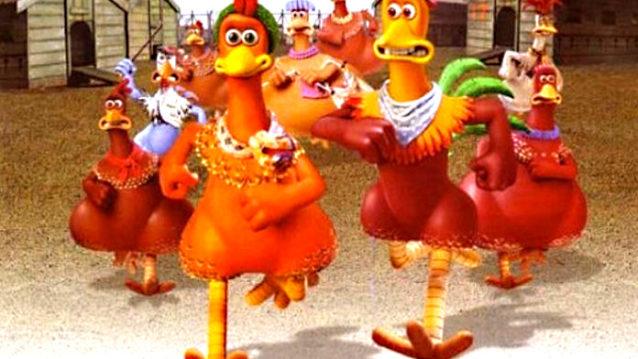 Les poules en pâtes à modeler courent pour s'évader